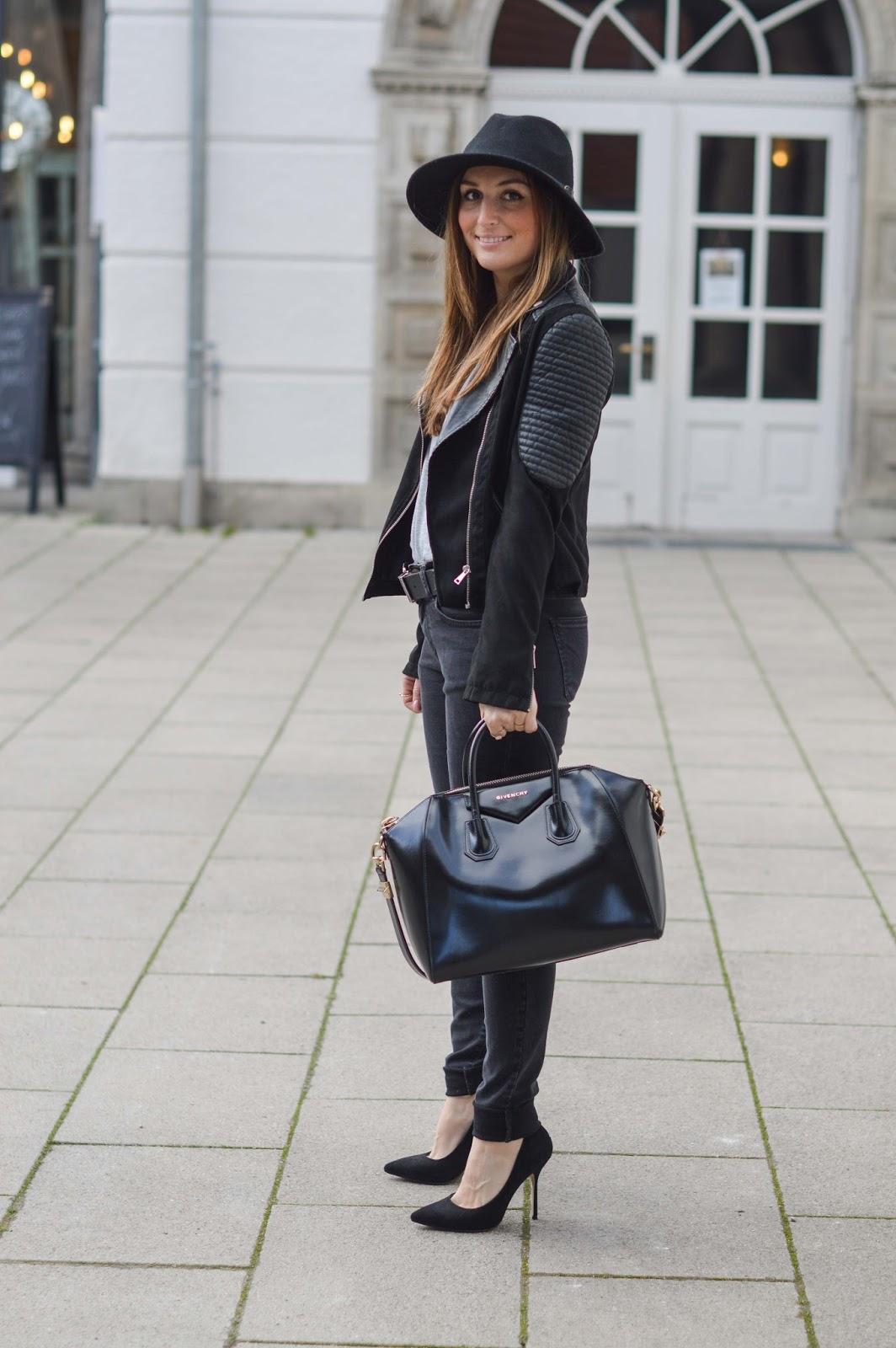 Deutsche Modeblogger - Fashionblogger - Streetstyle - Streetstyleinspiration - About YouWestern Gürtel - High Waist Hose -