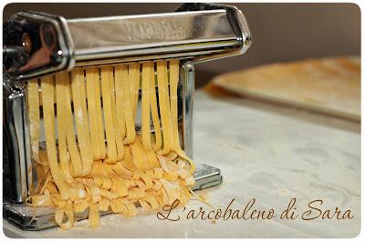 pasta all'uovo- macchina per la pasta