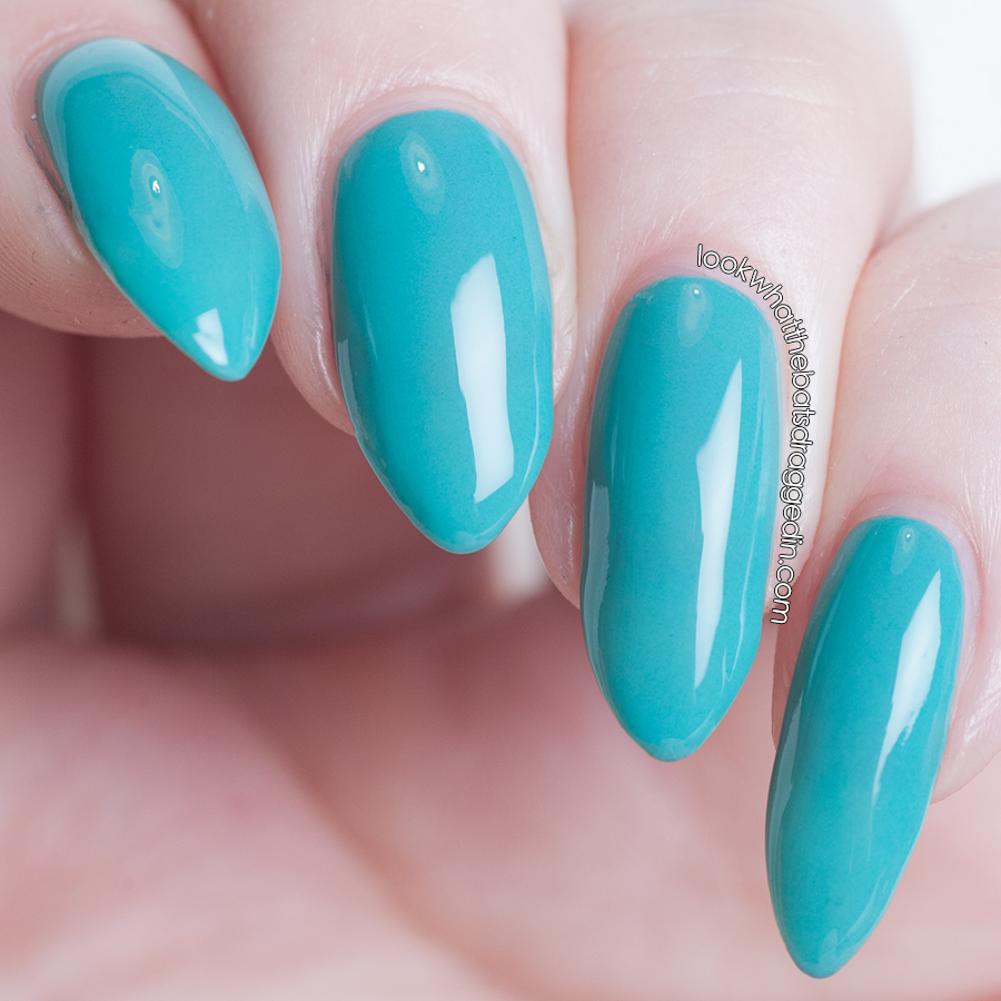 MckFresh Nail Attire Between Blue and Green Colour Chart Collection
