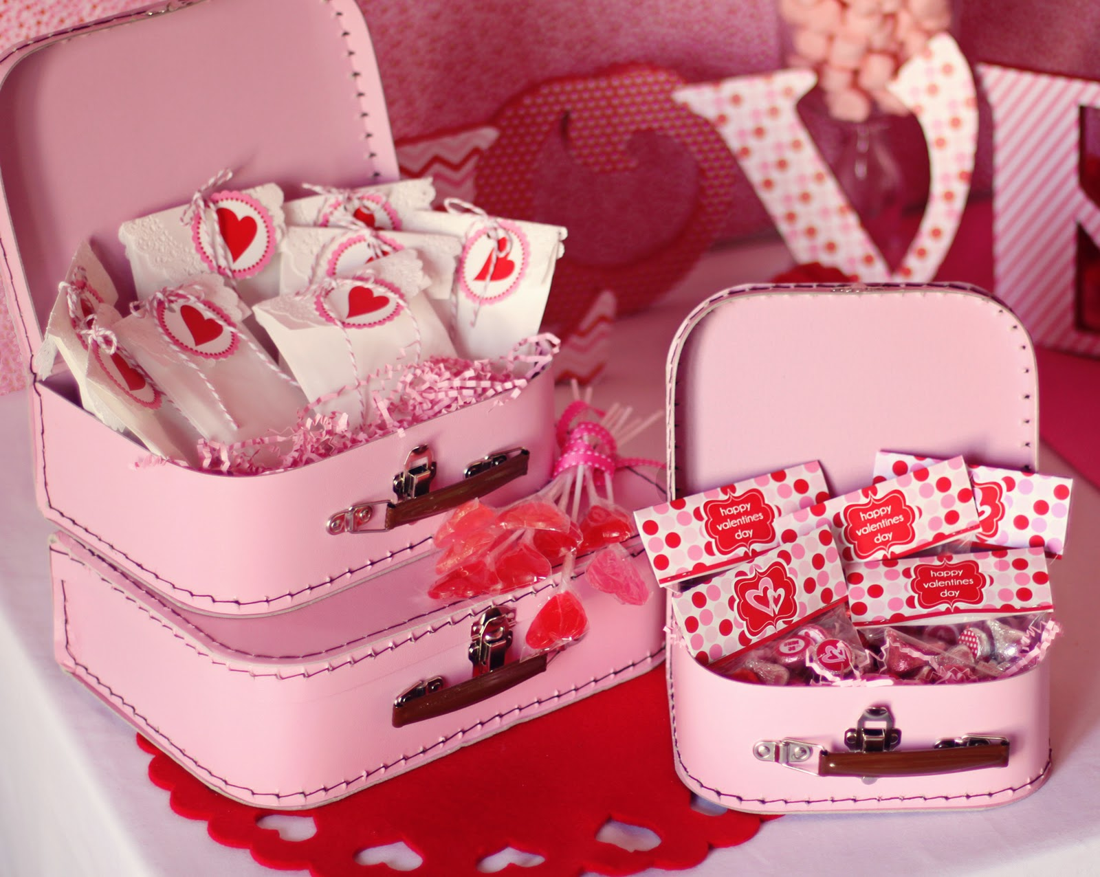 valentines day party ideas Easy valentine's day ideas get menu ideas, chocolate recipes all-desserts (and all-adults) party crafts, cards, quotes, and more shortcuts to a romantic valentine's day 10 easy ideas from valentine's day gift ideas to simple sweet treats for spicing up the holiday valentine's.