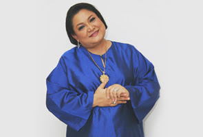 Malaysia, Hiburan, Artis Malaysia, Adibah Noor, Mahu, Penggiat, Seni, Dipandang, Tinggi