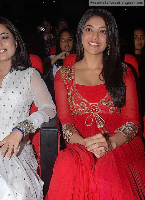 kajal agarwal red hot pics