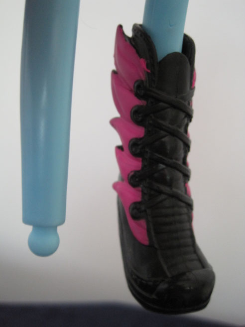 MLP Equestria Girls feet and boots.