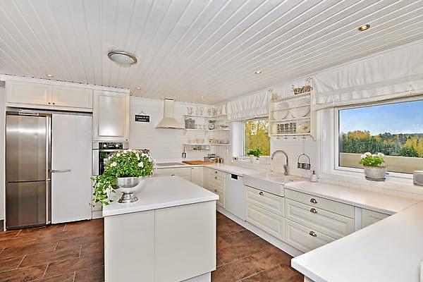 Fru sjøakersperler: kjøkkenet