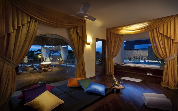 Bedroom With Jacuzzi In 50 Dreamlike