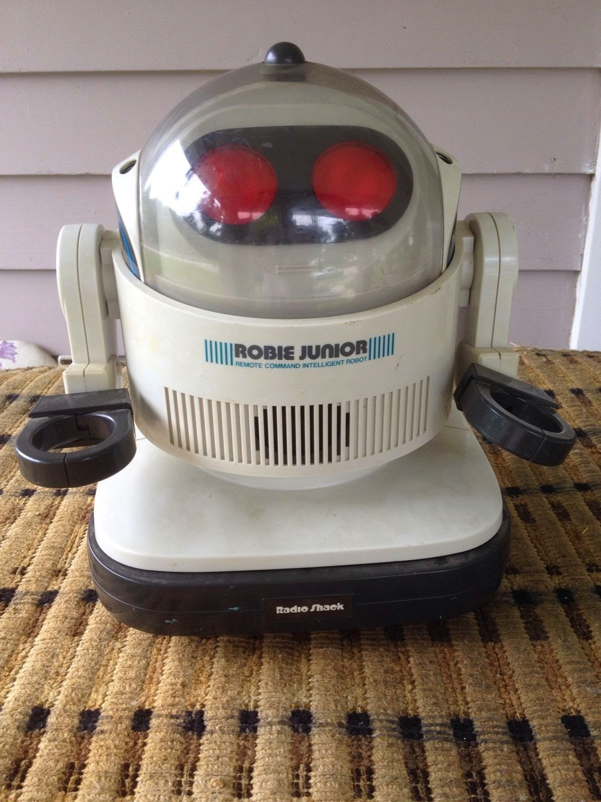 ROBIE JR. Robot by Radio Shack