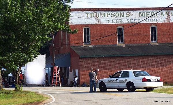 The Walking Dead [ Todo sobre la serie ] The_Walking_Dead_Season_3_Set_7_Mayo_2012