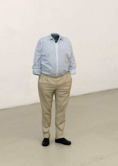 Installation view Erwin Wurm. Fichte Erwin Wurm, Cajetan, 2009 bronze, patina, paint, fabric, 100 x 40 x 25 cm Courtesy Galerie Thaddaeus Ropac Photo: Marek Kruszewski © VG Bild-Kunst, Bonn 2015