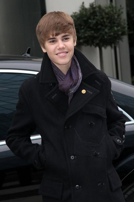 news around justin bieber�s new haircut 2011 photos