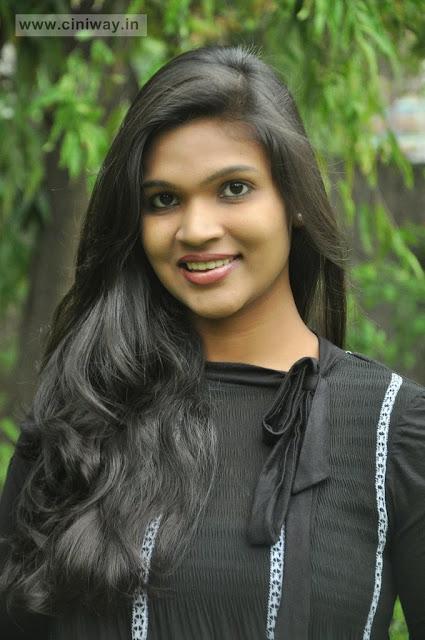 Sathiram Perundhu Nilayam Actress Dwinkle Stills