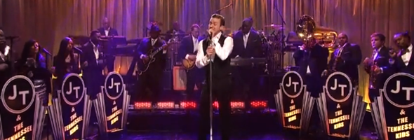 Justin Timberlake canta com Jay Z no Saturday Night Live 2013