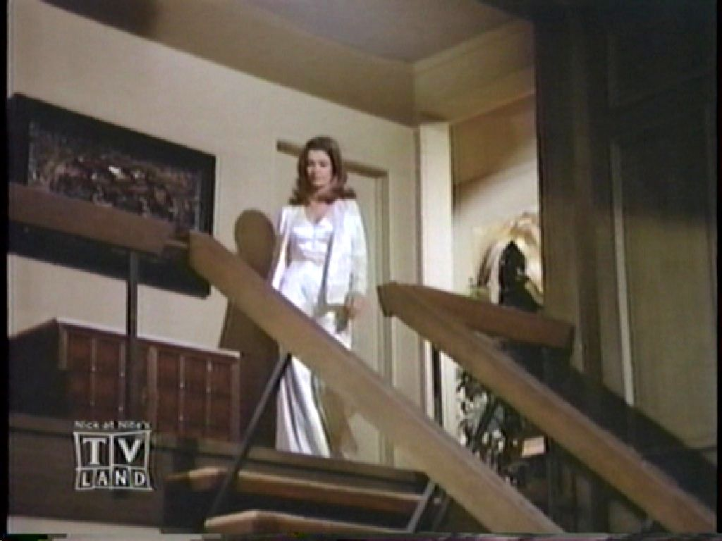 brady bunch house interior the image