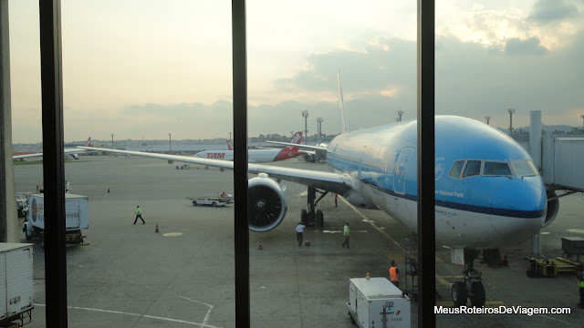 Avião da KLM no Aeroporto de Guarulhos