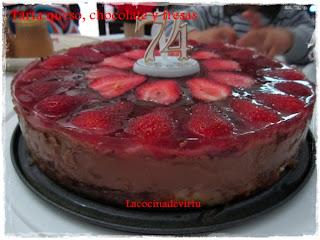 http://lacocinadevirtu.blogspot.com.es/2013/04/tarta-queso-chocolate-y-fresas.html