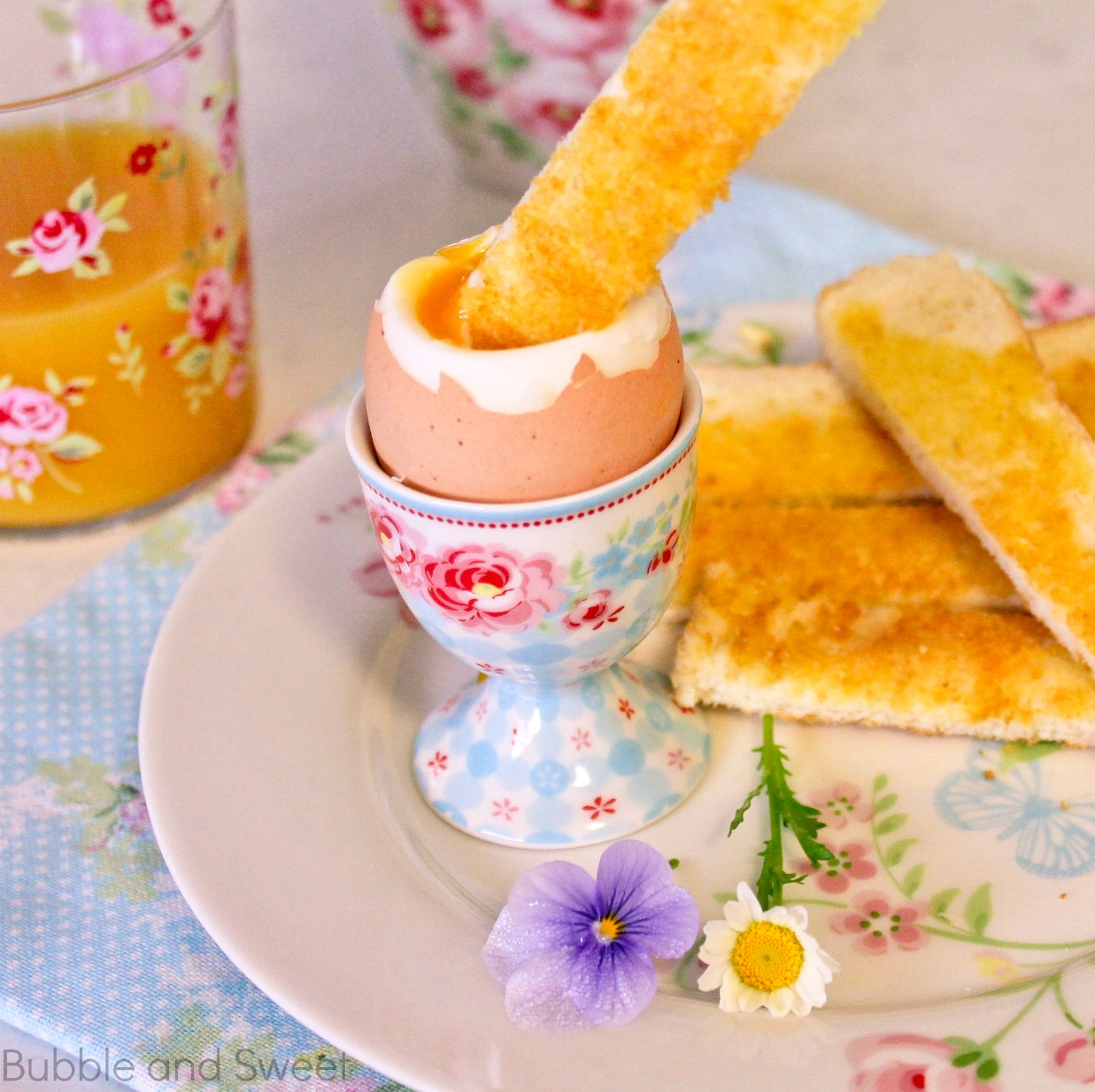 Bubble and Sweet: Perfect soft boiled eggs