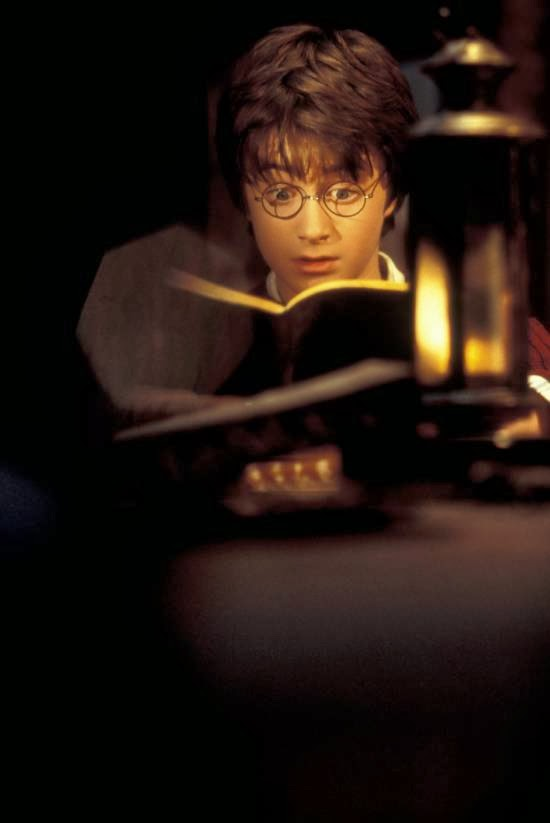 harry potter reading tom riddles diary in chamber of secrets