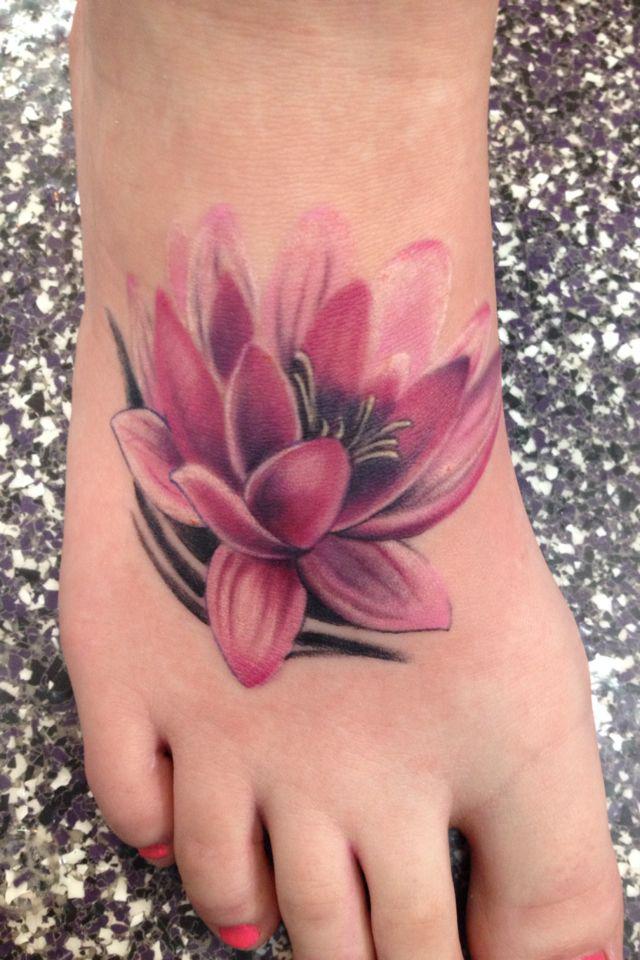 Tatueringar 35 attractive lotus flower tattoo designs lotus flower tattoo on foot mightylinksfo