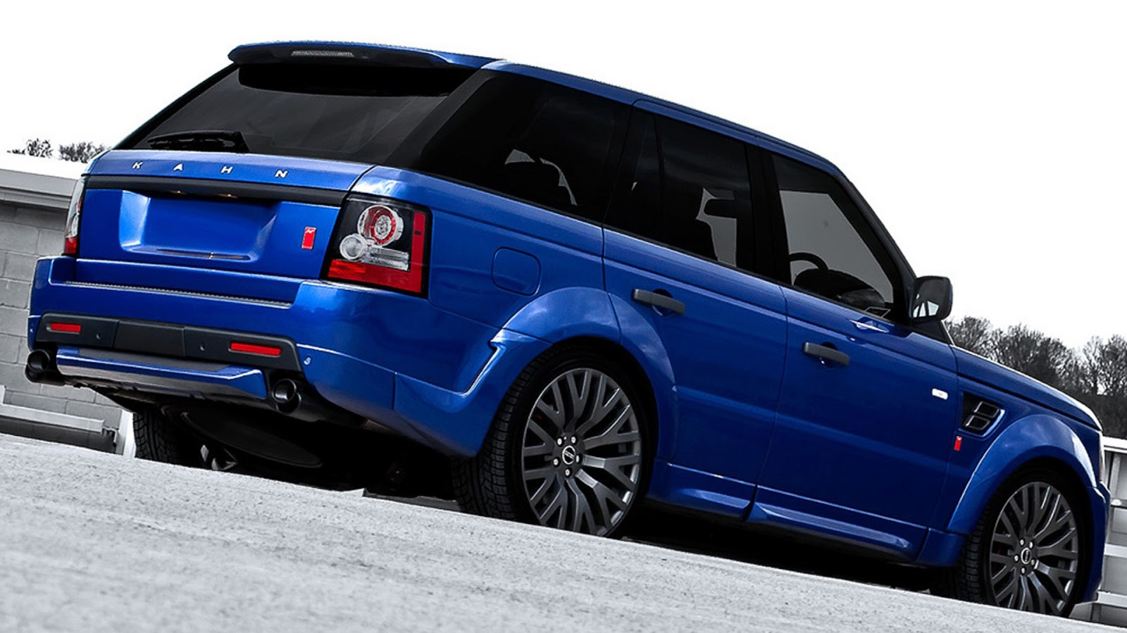 all cars nz 2012 land rover range rover bali blue rs300 cosworth by project kahn. Black Bedroom Furniture Sets. Home Design Ideas