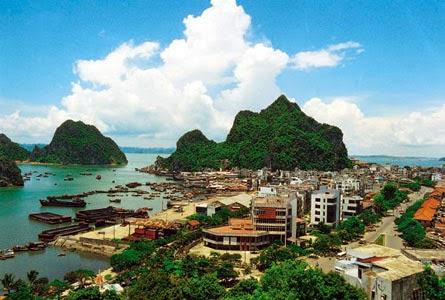 Vietnam Tour: Halong dolphin cruise tour - 3 days/ 2 ...