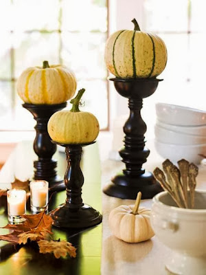 http://www.midwestliving.com/holidays/thanksgiving/easy-ideas-for-thanksgiving-decorating/?page=1&sssdmh=dm17.701994&esrc=nwbm110613