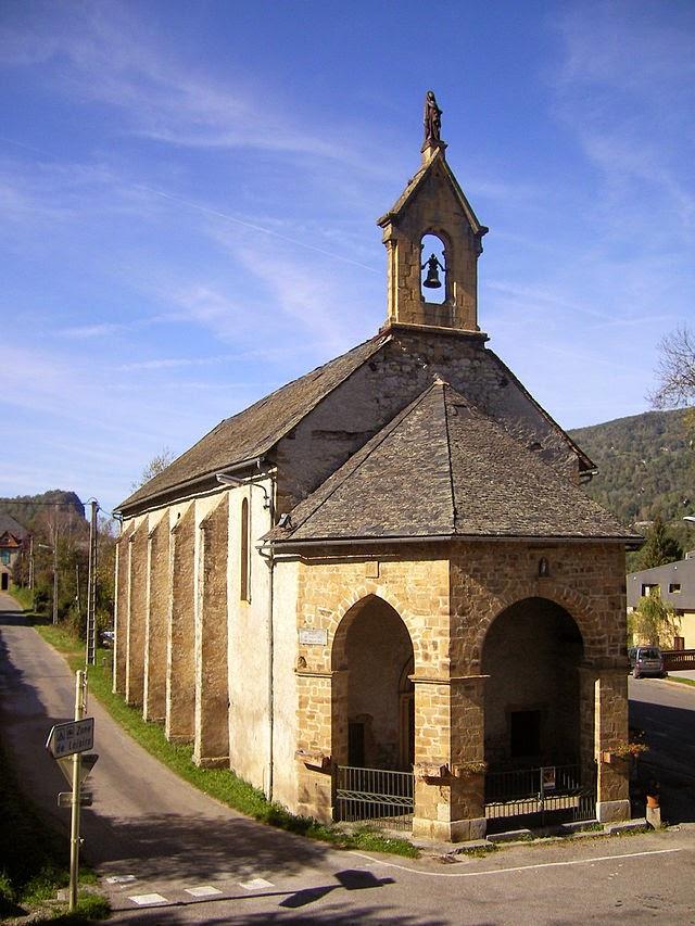 «Chapelle de l'Ave Maria de Massat (Ariège, France)» par Evilnickname — http://www.flickr.com/photos/evilnickname/1798202739/. Sous licence CC BY-SA 2.0 via Wikimedia Commons - http://commons.wikimedia.org/wiki/File:Chapelle_de_l%27Ave_Maria_de_Massat_(Ari%C3%A8ge,_France).jpg#mediaviewer/File:Chapelle_de_l%27Ave_Maria_de_Massat_(Ari%C3%A8ge,_France).jpg