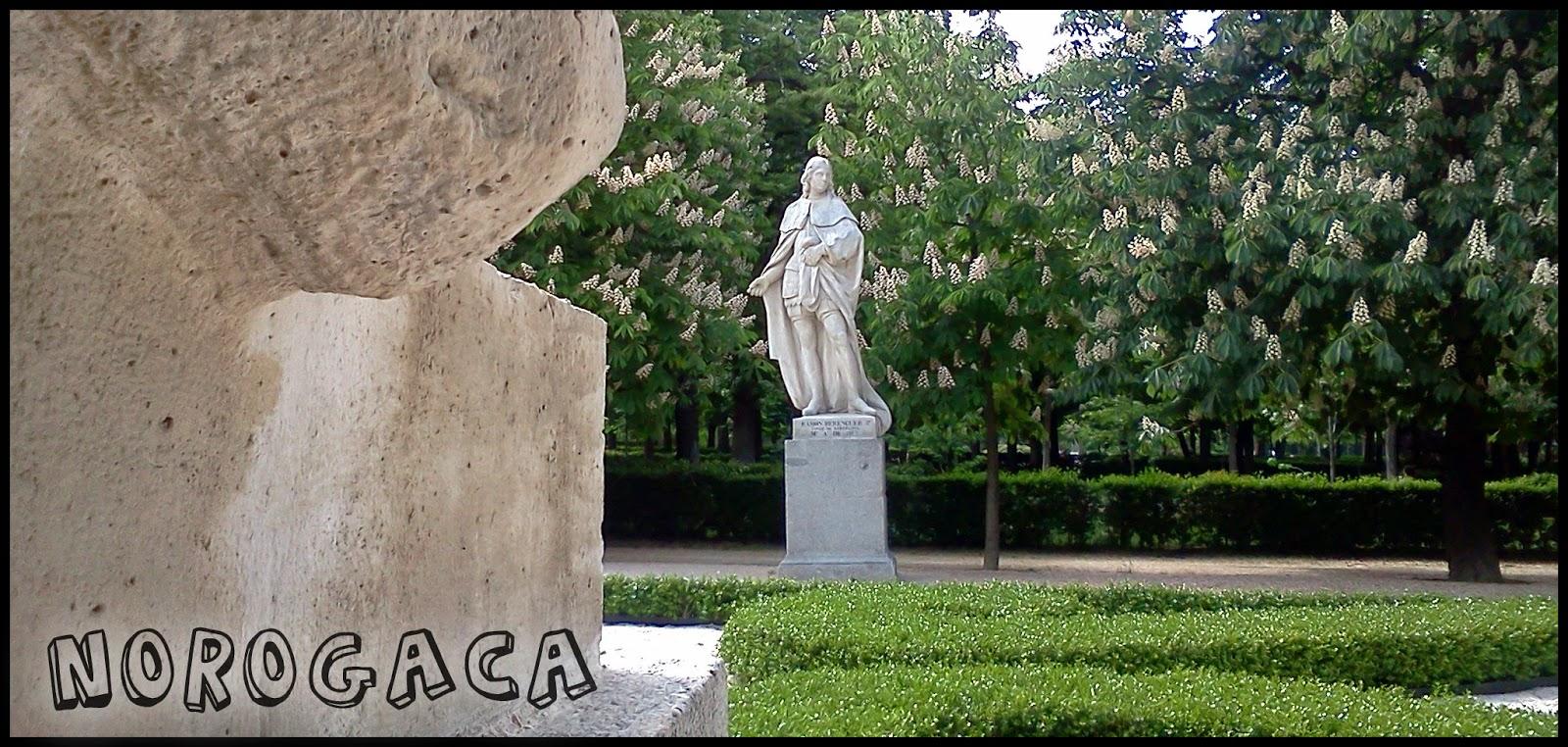Estatuas en el Parque del Retiro.