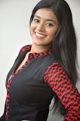 Yamini bhaskar glam pics-thumbnail-17