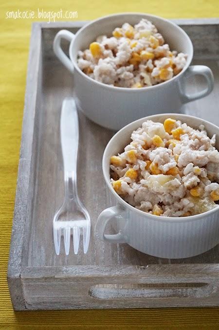Smakocie I Lakolyki Salatka Ryzowa Z Kurczakiem I Orzechami