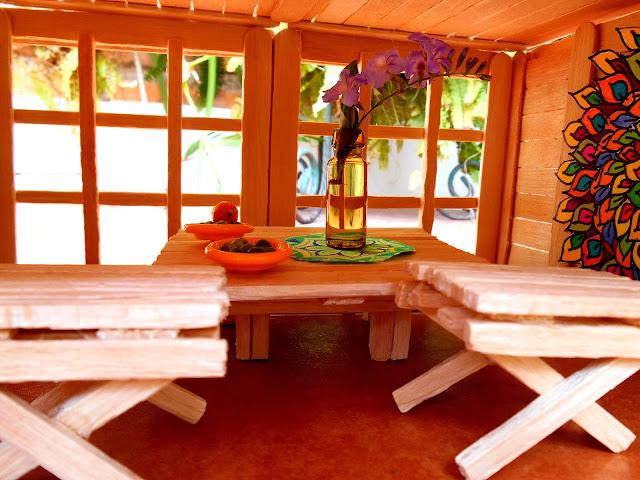 Muebles hechos con palitos de helados  Furniture made with Popsicle