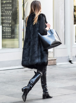 Ulična moda: kako cure u Zagrebu nose čizme preko koljena. Winter chic boots style: how to wear over the knee boots - street fashion inspirations
