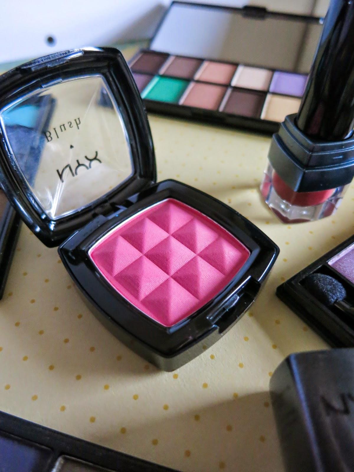 NYX powder blush in Peach