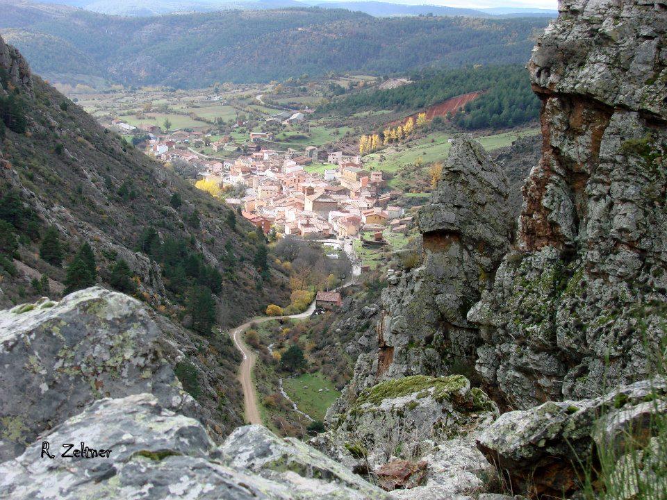 Alojamiento rural las c rcavas noguera de albarrac n teruel trekking en noguera de - Casa rural gea de albarracin ...