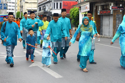 Peserta Kontigen SMK Luar Bandar No.1 Sibu sempena Sambutan Maulidur Rasul 2013 di Sibu Sarawak