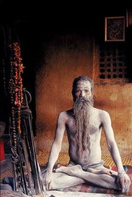http://3.bp.blogspot.com/-w7z-Jdqb81A/TaqBYahp85I/AAAAAAAAAxc/8MrWC3xn7Ng/s400/21-pagalinanda-Aghori-Baba.jpg