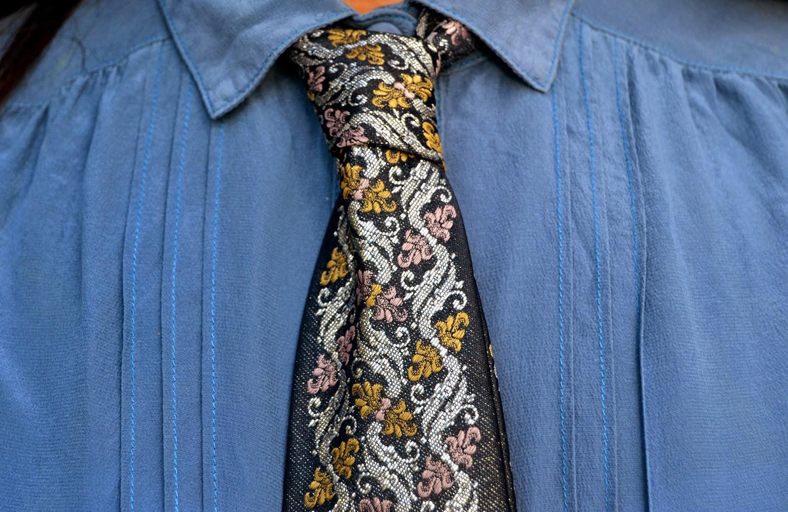 silver thread tie