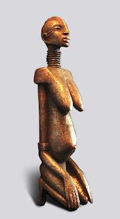 Style africain : Femme africaine enceinte, à genoux