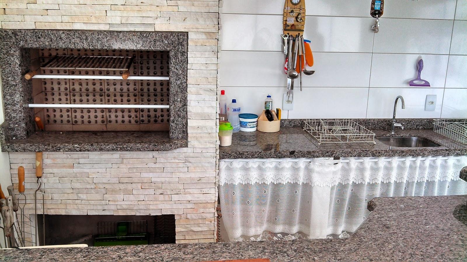 Edícula com banheiro despensa escritório e lavanderia** #995C32 1600 900