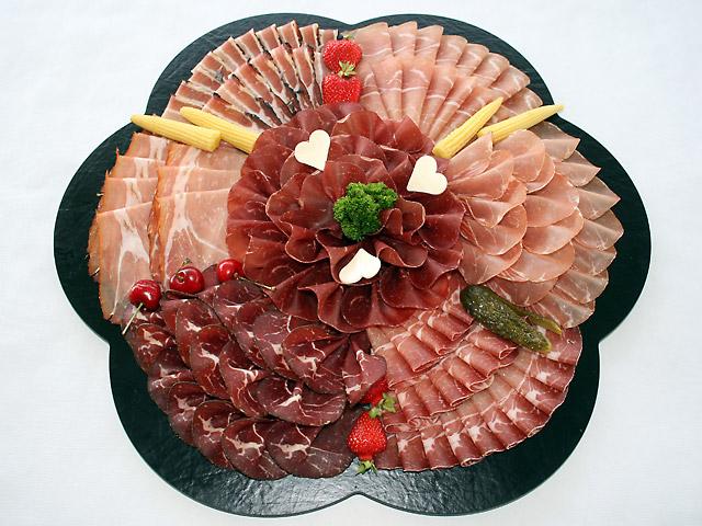 Imagini pentru platouri ornate cu aperitive