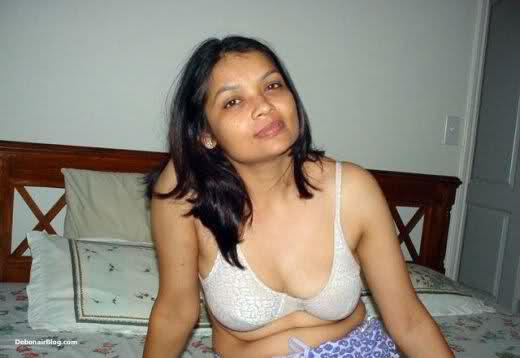 hot bhabhi photos   nudesibhabhi.com