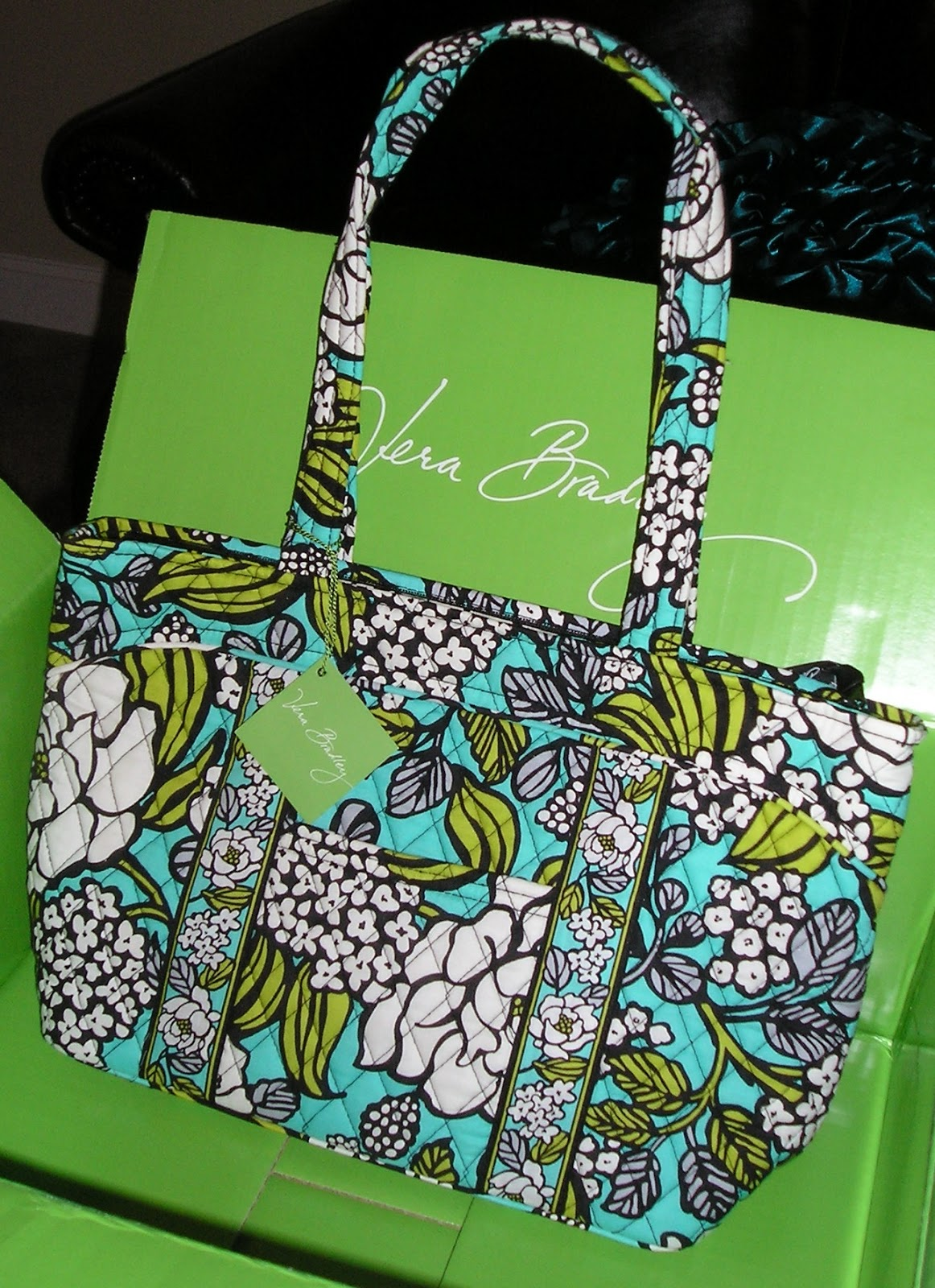 d123bd7e24b5 Glamorous Addiction  Vera Bradley Mandy in Island Blooms