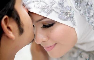 Ini Tips Menjadi Istri yang Senantiasa Menarik bagi Suami