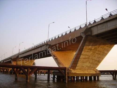 Jembatan Basirih