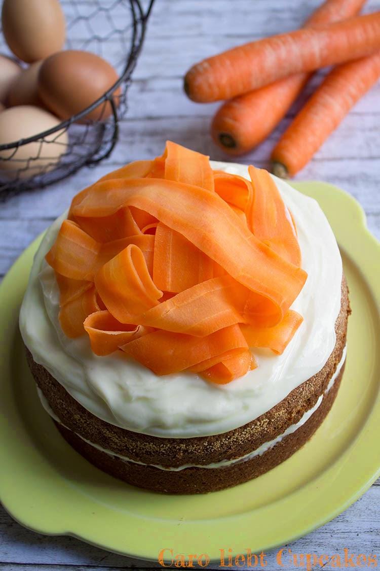 Karottenkuchen mit Frischkäse-Topping