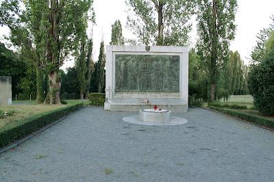 Spomenik žrtvama u Bleiburgu i na križnim putovima 1945.