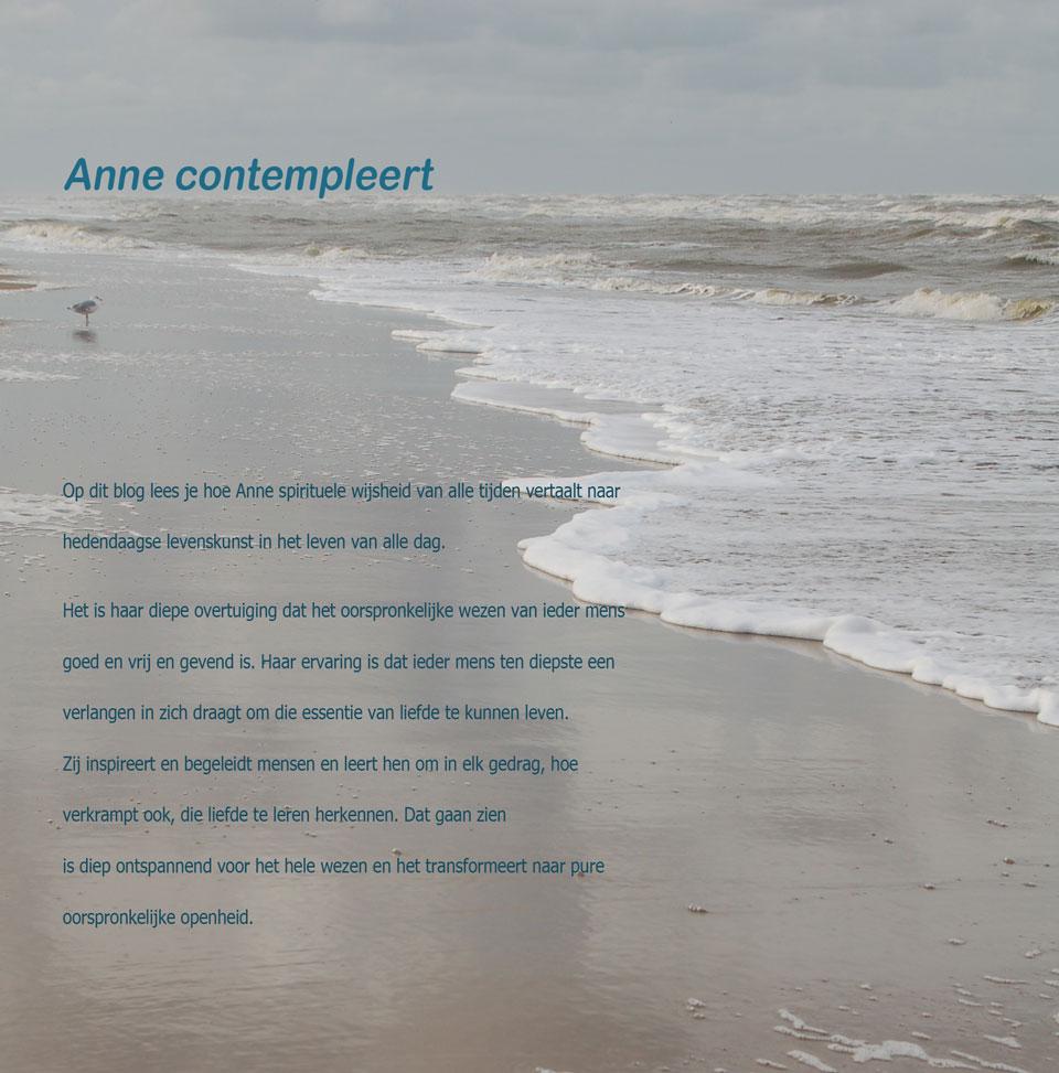 Anne contempleert