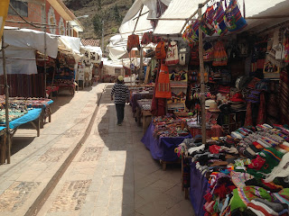 Pisac market and the elusive roasted cuy