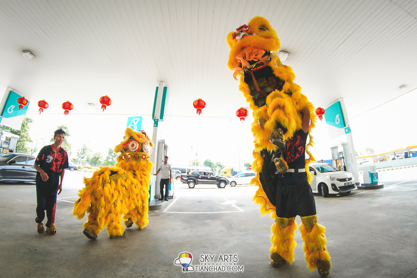 CNY Lion Dance at Petronas Station @ RnR Tapah