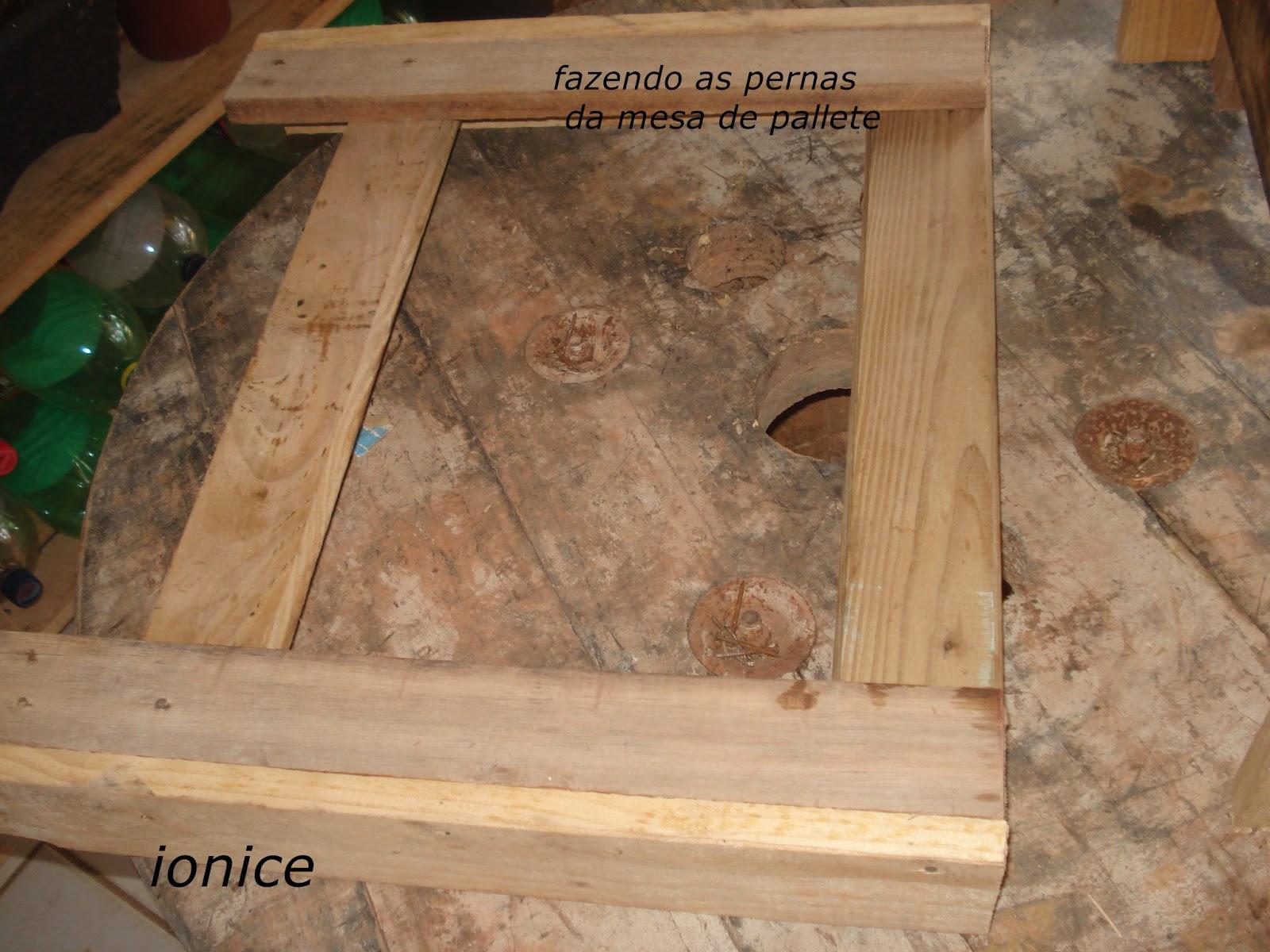 DIY : COMO FAZER UMA MESA DE CANTO COM PALLETES Meus Trabalhos  #B97912 1600x1200