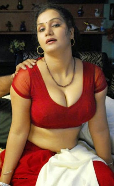 Collection of Exclusive B-Grade Actresses Cleavage,Blouse Pictures-1 ...