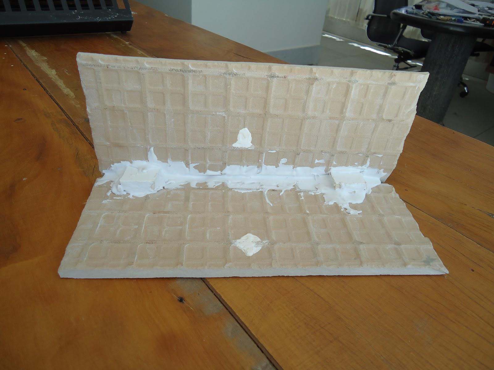 Como se começa uma FAMÍLIA: Montagem da bancada de porcelanato #70471E 1600x1200 Bancada Banheiro Concreto